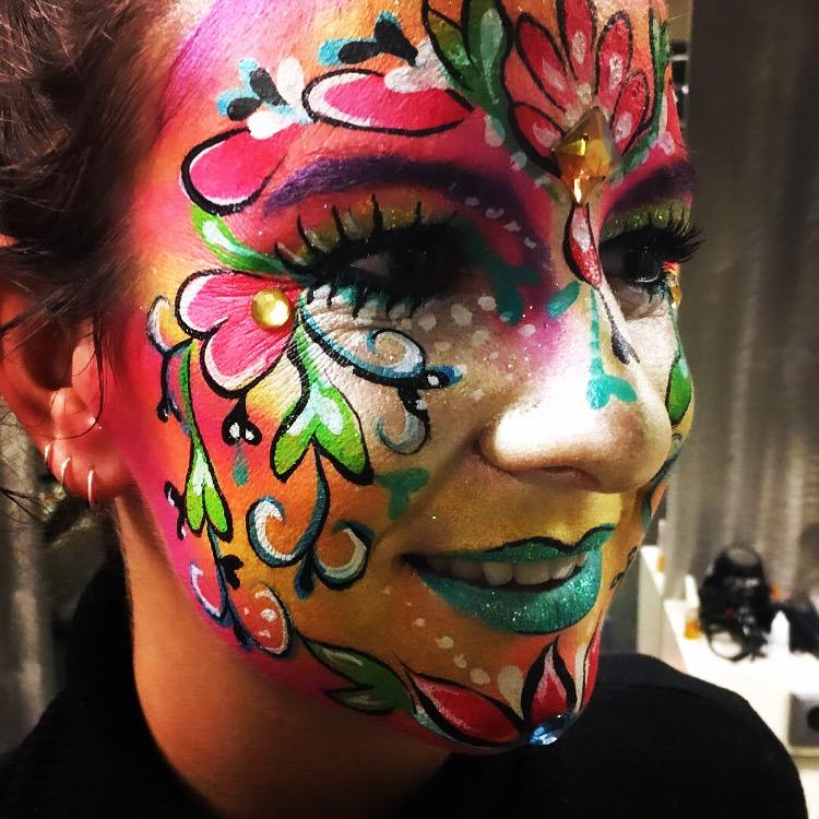geschminkt gezicht carnaval schmink vasteloavend